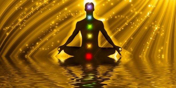 Yoga e chakra, come risvegliare energia e risorse inspettate