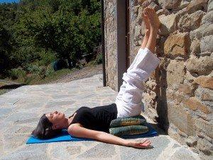 Tre posizioni yoga per il mal di schiena