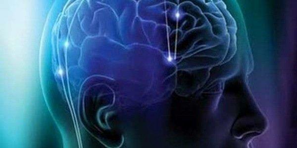 Ecco perché praticare yoga aumenta i neuroni e mantiene il cervello giovane