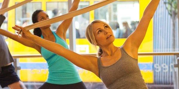 Vantaggi e svantaggi dell'utilizzo di sostegni per fare yoga