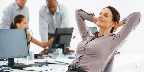 La posizone yoga per chi passa molto tempo davanti al computer